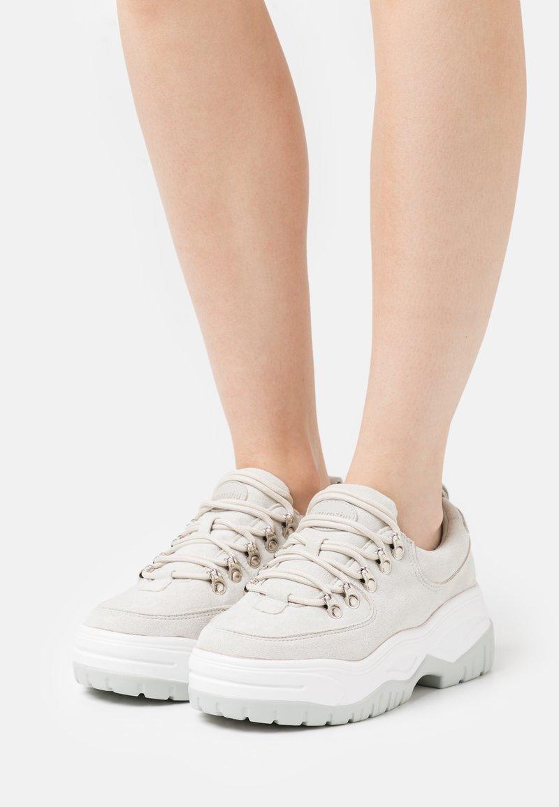 Emmshu - ROXIE - Sneakers laag - light grey