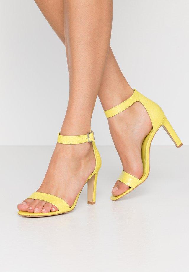 Sandály na vysokém podpatku - lime