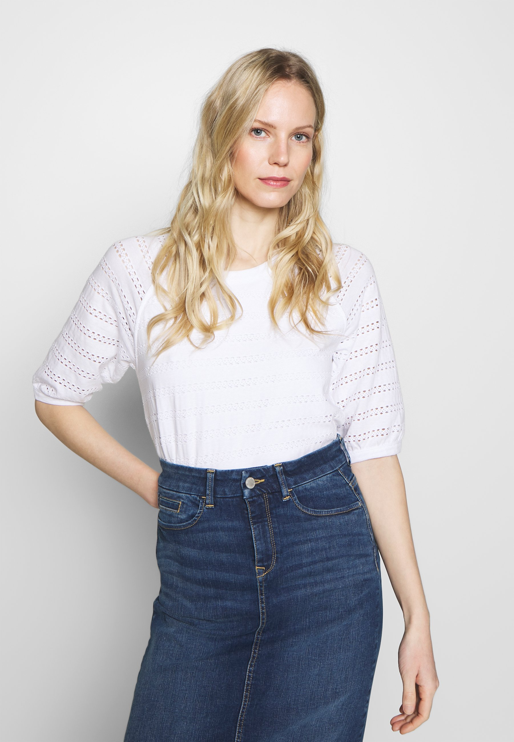 Esprit LACE TEE T shirts med print white Zalando.no