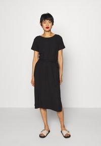 Object - OBJCELIA DRESS - Žerzejové šaty - black - 0