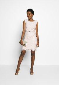 comma - KURZ - Cocktail dress / Party dress - powder - 1