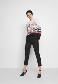 MAX&Co. - MONOPOLI - Spodnie materiałowe - black - 1