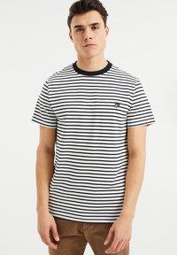 WE Fashion - MET STREEPDESSIN - Print T-shirt - white - 0