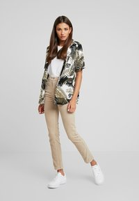 Weekday - EVE TROUSER - Trousers - sand - 1