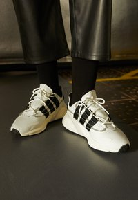 adidas Originals - LXCON  - Trainers - footwear white/core black/crystal white - 2