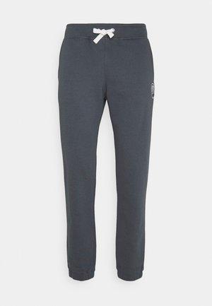 SPORT LOGO PANTS - Pantalones deportivos - grey shade