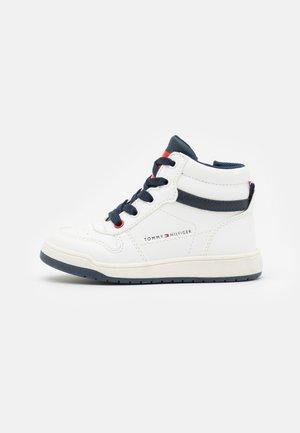 Sneakers alte - white/blue
