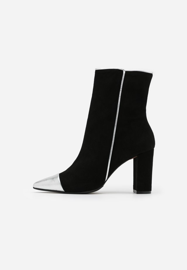 CAMELIE - High heeled ankle boots - silver/nero