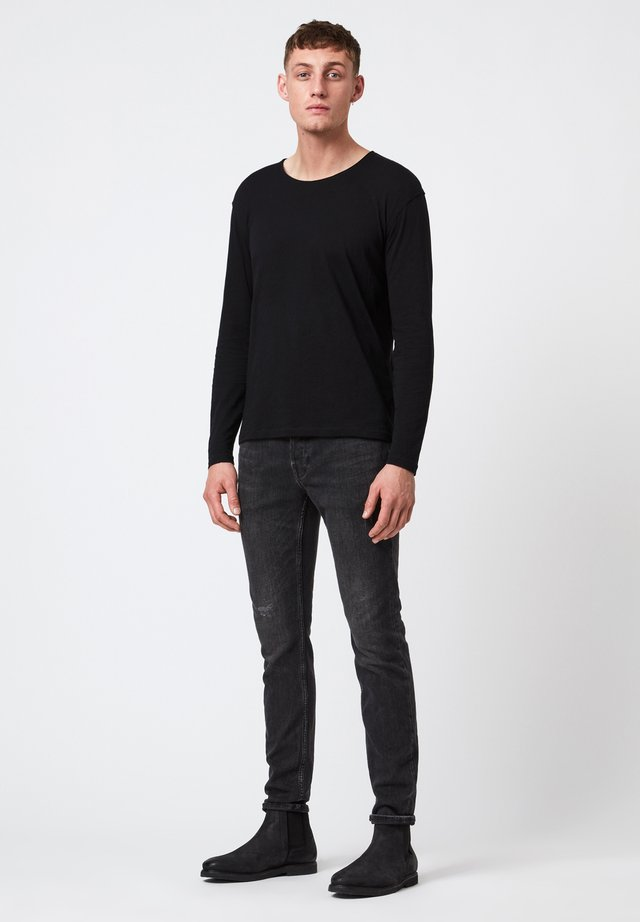 FIGURE  - Longsleeve - mottled black
