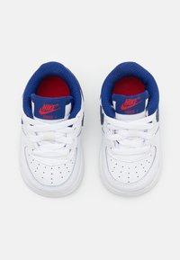 Nike Sportswear - FORCE 1 UNISEX - Baskets basses - white/deep royal blue/universiyt red - 3