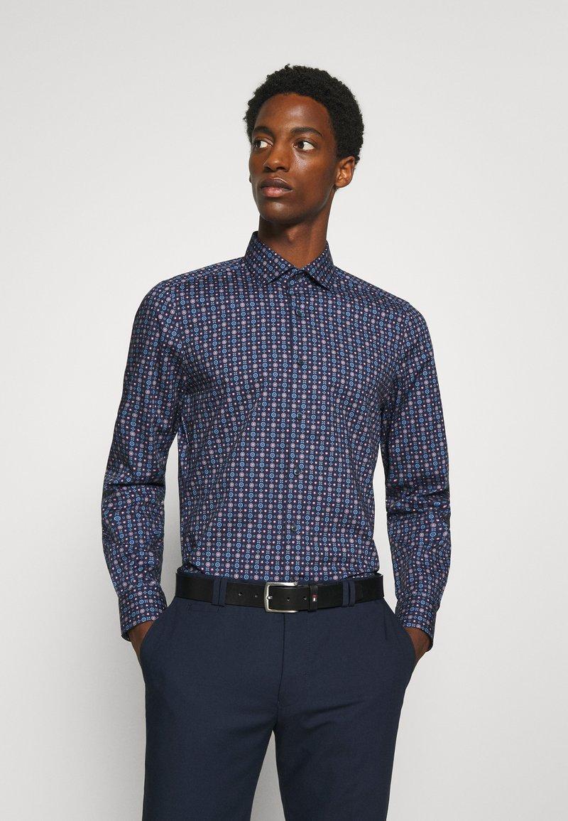 OLYMP Level Five - Level 5 - Formal shirt - dunkelrot