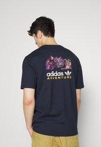 adidas Originals - FLMOUNT TEE - Print T-shirt - legend ink - 0