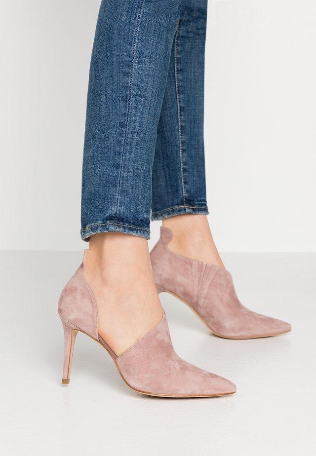 High heels - mauve
