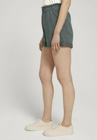 TOM TAILOR DENIM - CONSTRUCTED PAPERBAG - Denim shorts - dusty pine green - 3
