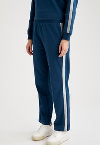 DeFacto - Tracksuit bottoms - navy - 2