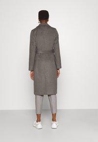 Bruuns Bazaar - CATARINA NOVELLE COAT - Klasický kabát - major brown - 2