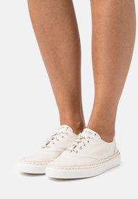 kate spade new york - BOAT PARTY - Sneakers laag - parchment - 0