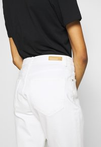 Opus - LUCY  - Relaxed fit jeans - offwhite denim - 5