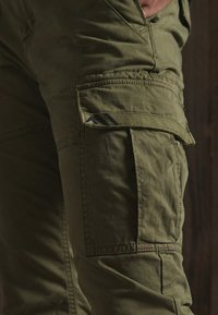 Superdry - Cargo trousers - tuscan olive - 3