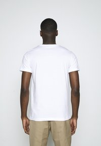 Calvin Klein Jeans - TEE INSTITUTIONAL LOGO 2 PACK - Print T-shirt - bright white - 2