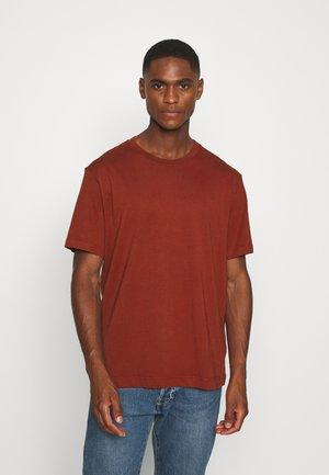 T-SHIRT - Basic T-shirt - red dark
