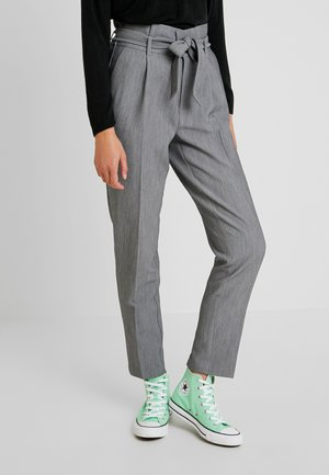 ONLYARROW BELT PANT - Tygbyxor - medium grey melange