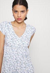 Hollister Co. - DRESS - Jerseykjole - white - 3