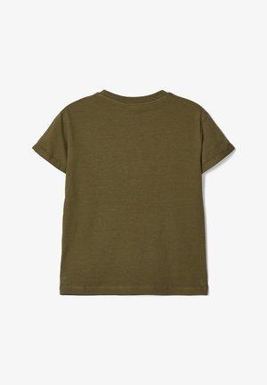 STATEMENT - Print T-shirt - ivy green