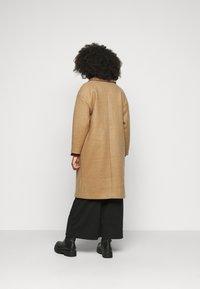 VILA PETITE - VICALLEE COAT  - Klasický kabát - tigers eye - 2