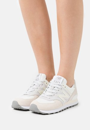 574 - Trainers - white