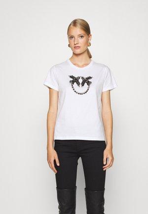 QUENTIN - T-shirt imprimé - ivory