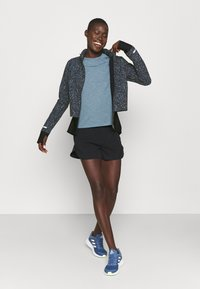 Sweaty Betty - FAST TRACK RUNNING JACKET - Sports jacket - blue - 1