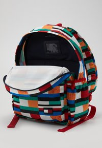 Tommy Hilfiger - CORE BACKPACK - Batoh - green - 4
