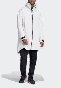 adidas Performance - MYSHELTER RAIN.RDY PARKA - Parka - white - 4