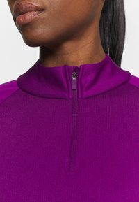 Nike Golf - THERMA LONG SLEEVE ZIP - Mikina - bright grape/bright grape - 5