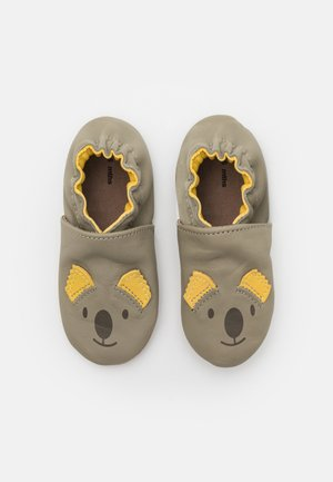 SWEETY KOALA UNISEX - First shoes - kaki