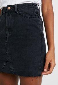New Look - MOM SKIRT - Denim skirt - black - 4
