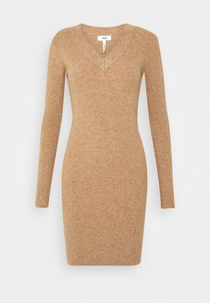 OBJFAE THESS DRESS - Robe pull - chipmunk melange