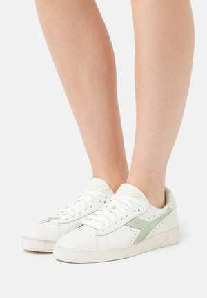 GAME ICONA  - Trainers - white/celadon green