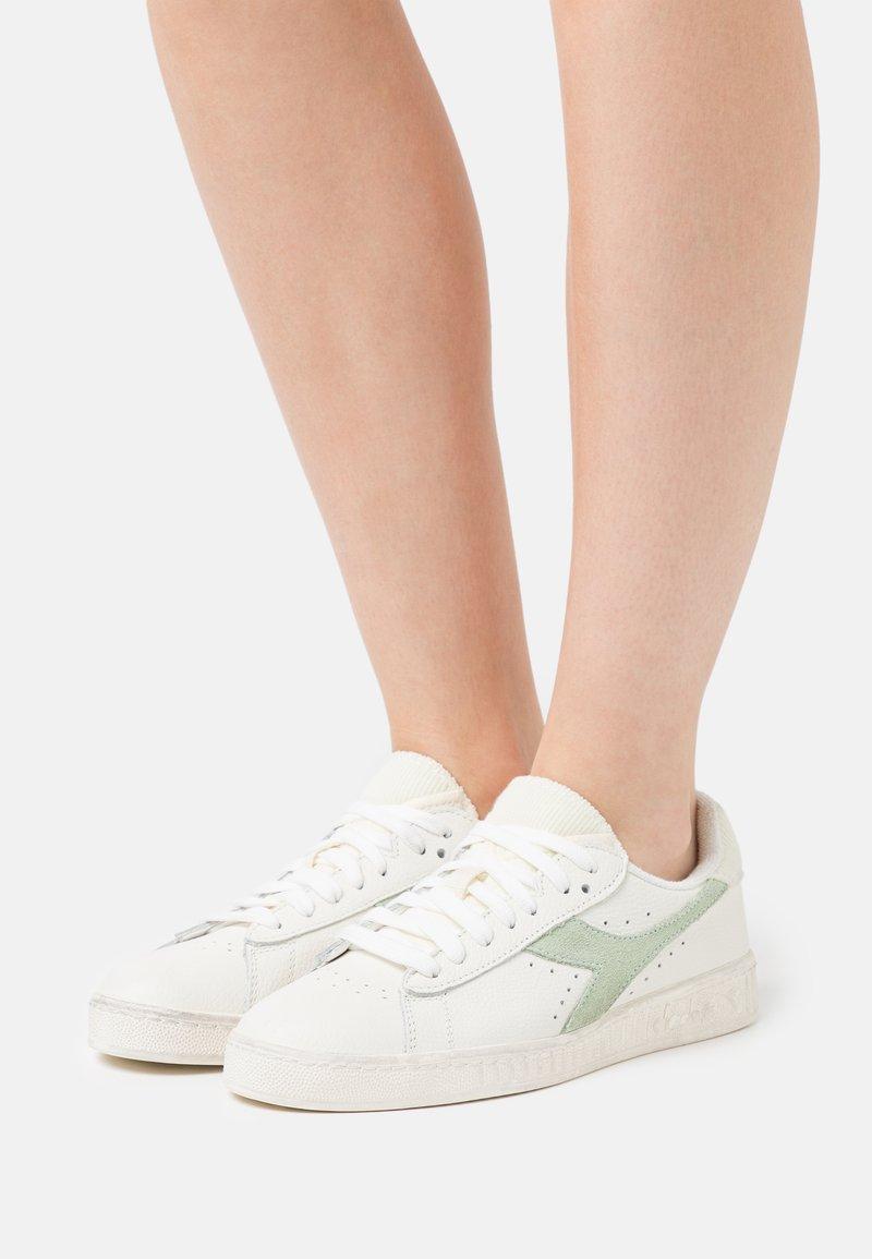 Diadora - GAME ICONA  - Trainers - white/celadon green