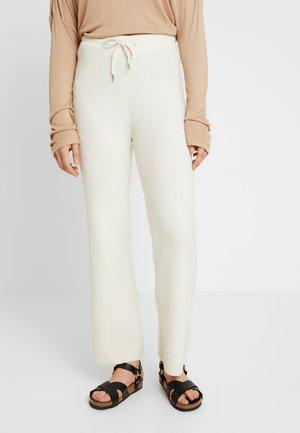 HARPER PANTS - Pantaloni sportivi - snow white