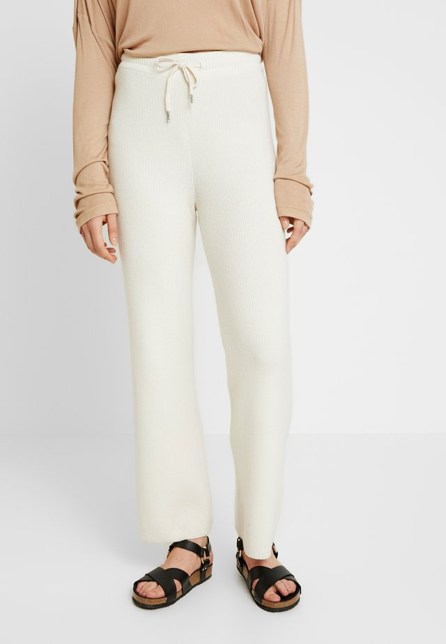 HARPER PANTS - Tracksuit bottoms - snow white