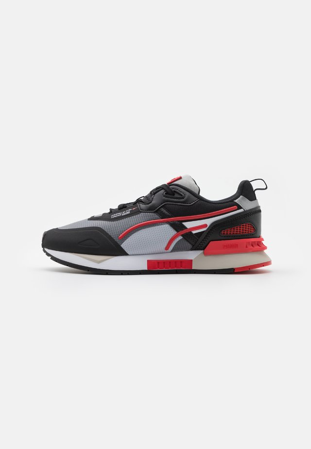 MIRAGE MOX TECH VEGAN UNISEX - Sneakers basse - black/high risk red