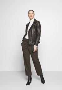 Lovechild - COPPOLA - Pantalon classique - brown - 1