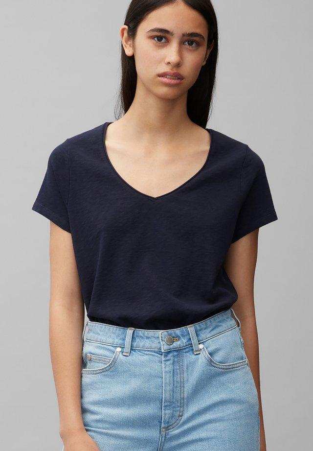 Basic T-shirt - Scandinavian blue