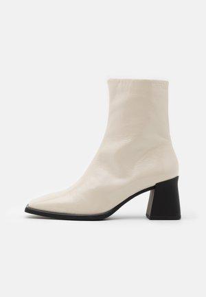 HEDDA - Støvletter - plaster