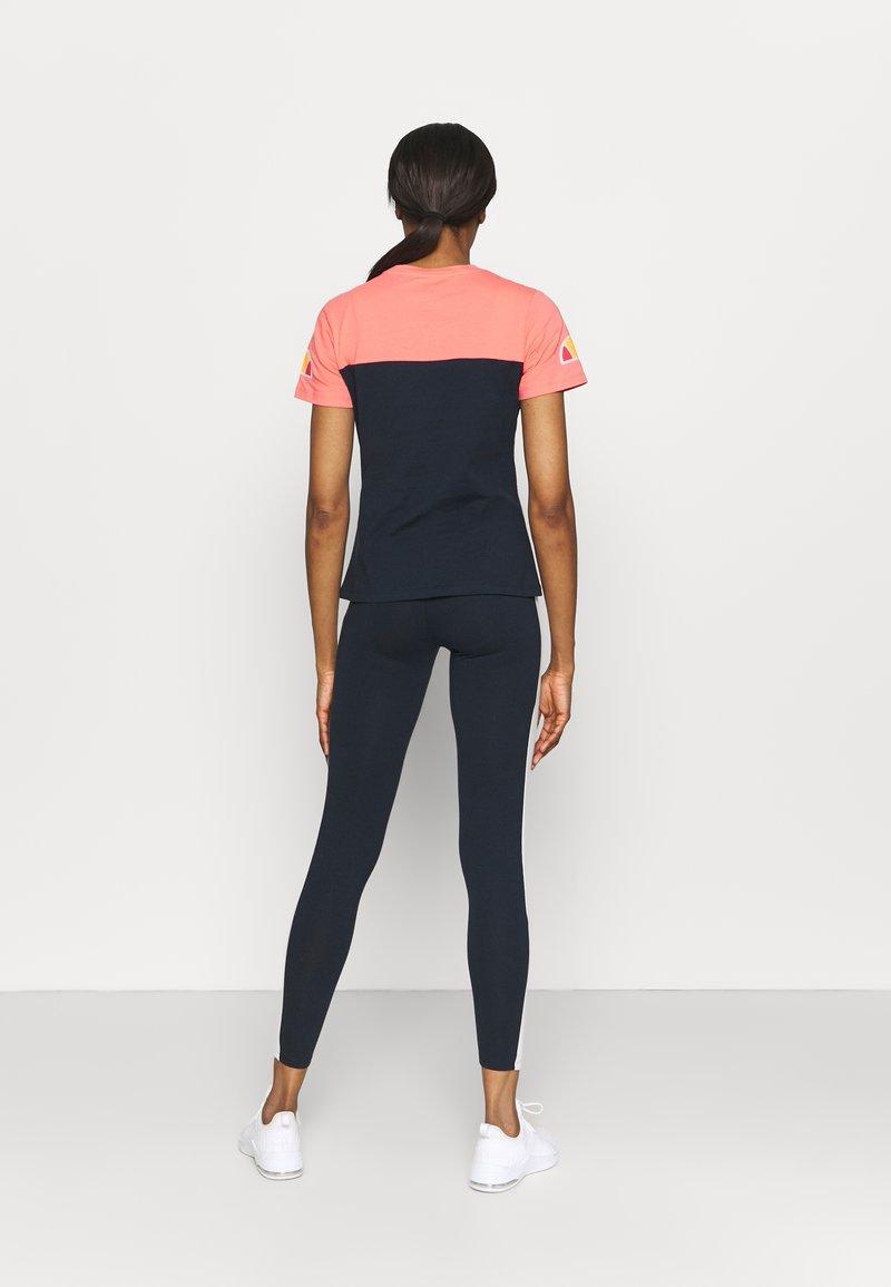 Ellesse - BECAERT TEE - T-shirts print - navy