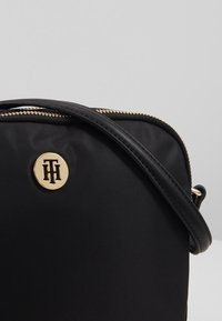 Tommy Hilfiger - POPPY CROSSOVER - Borsa a tracolla - black - 2
