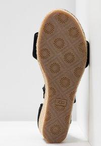 UGG - TRINA - Loafers - black - 6