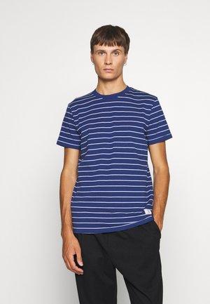 JPRNOAH TEE CREW NECK - T-shirt print - blue depths